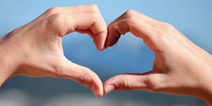 hand-love-sign